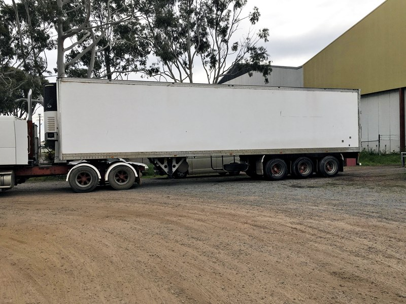 3 axle southern cross 803292 003