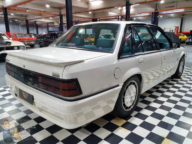 hdt commodore 657628 012