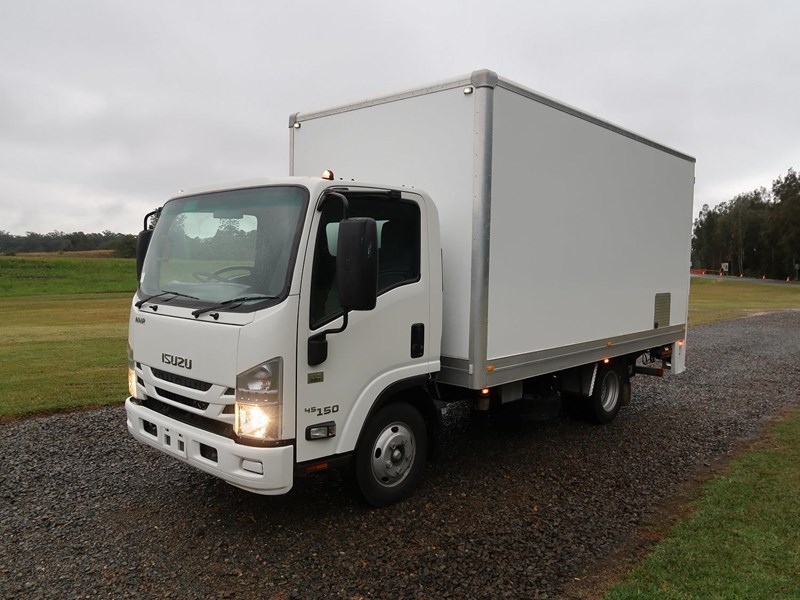 isuzu nnr45-150 medium amt 803983 002