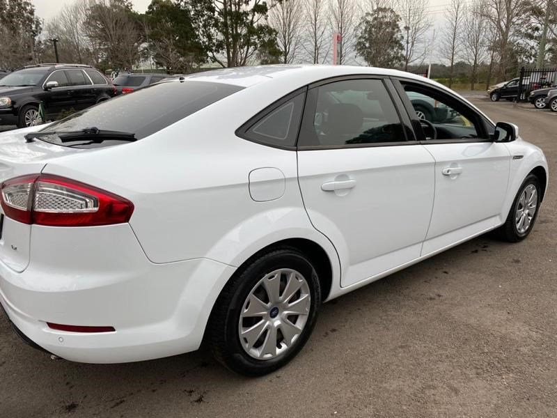 ford mondeo 804949 011