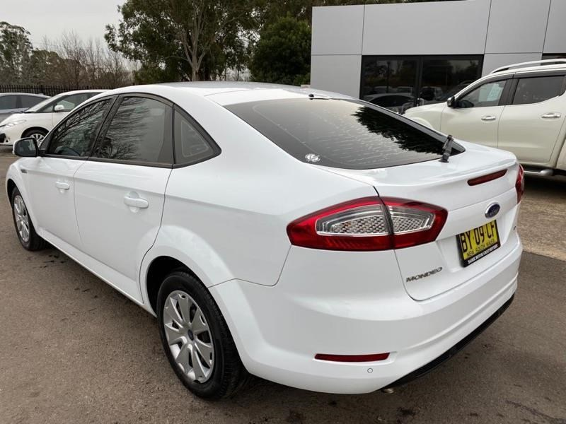 ford mondeo 804949 015