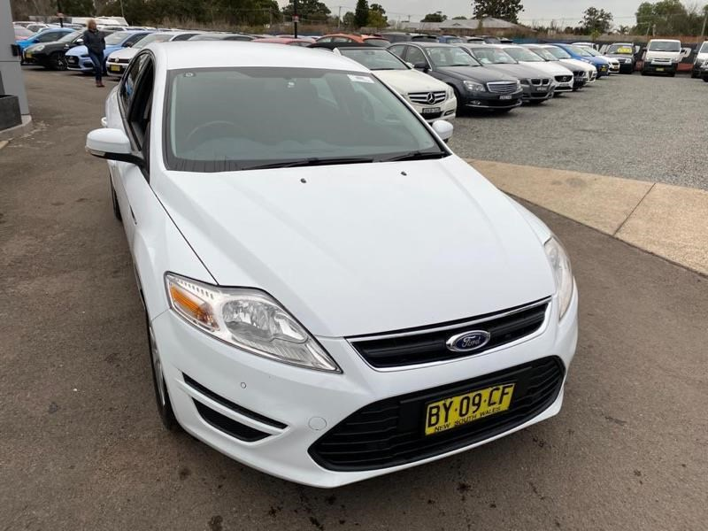 ford mondeo 804949 016