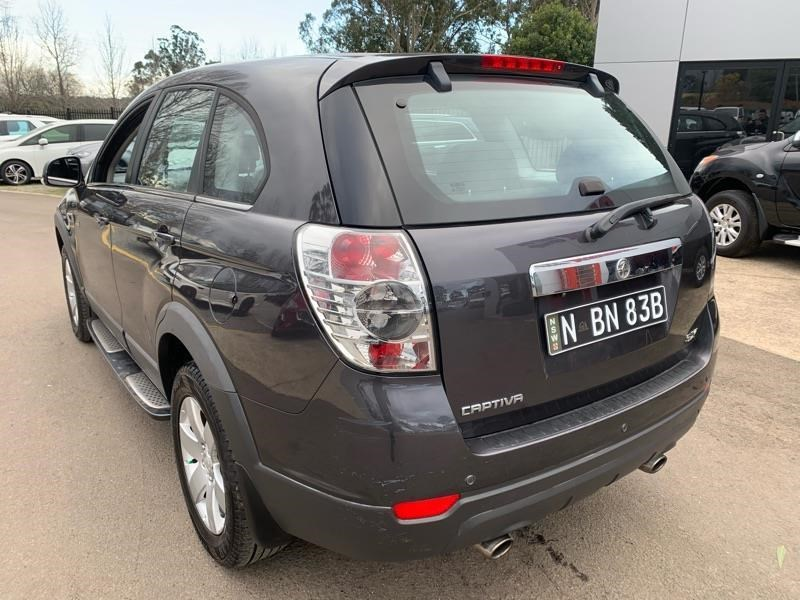 holden captiva 803484 005