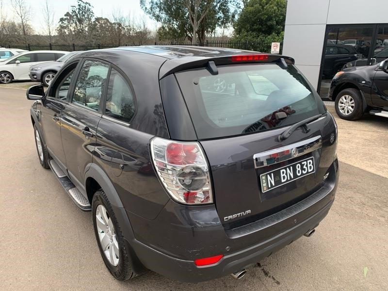 holden captiva 803484 008