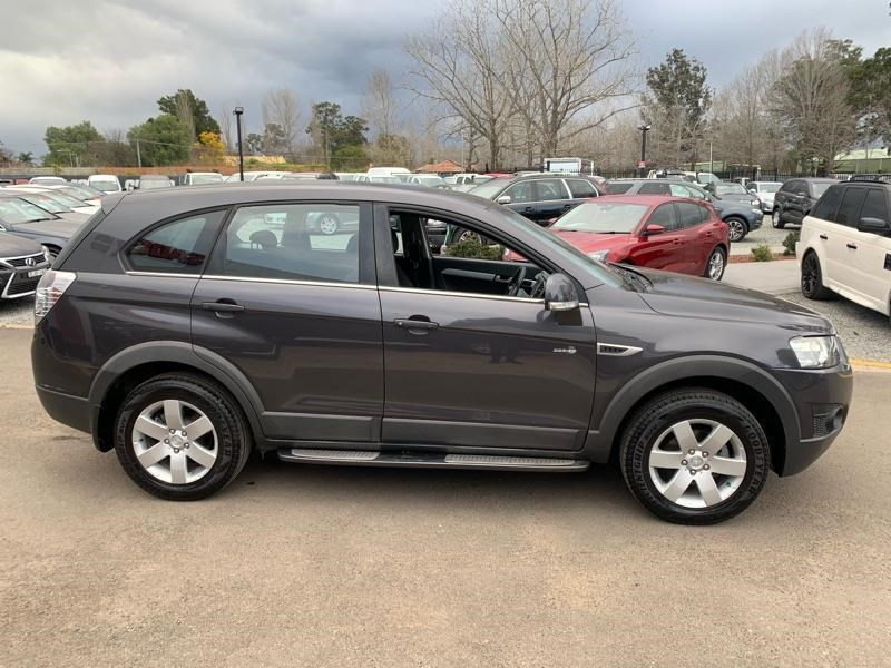 holden captiva 803484 012