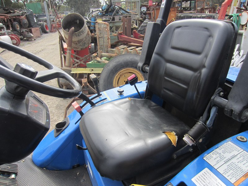 new holland mc28 front mount mower 4 wheel drive 807972 017