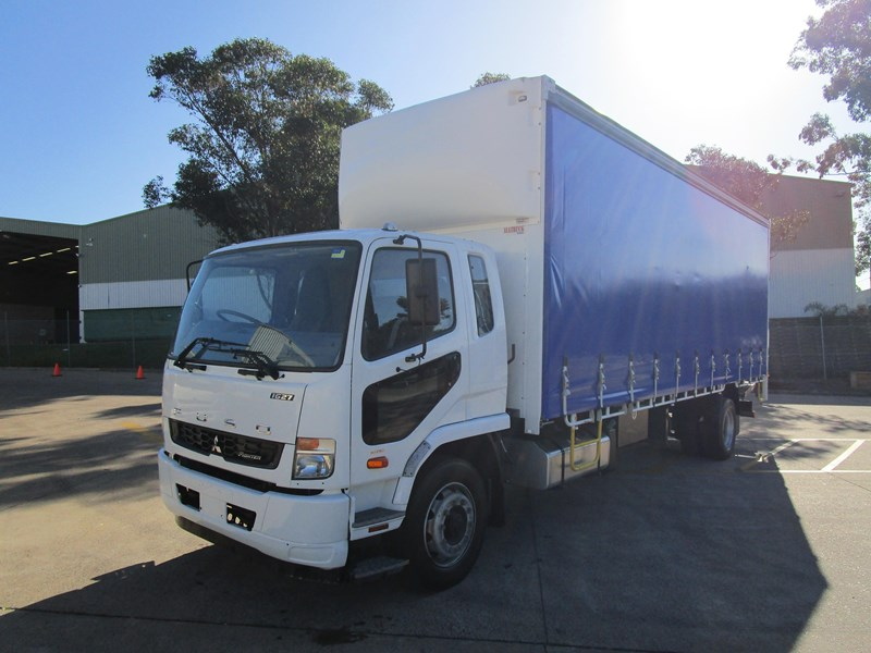 fuso fighter 804545 003