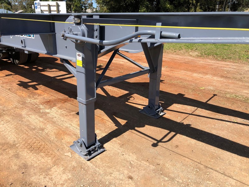 vawdrey retractable skel semi trailer with 3 way pins 704620 007