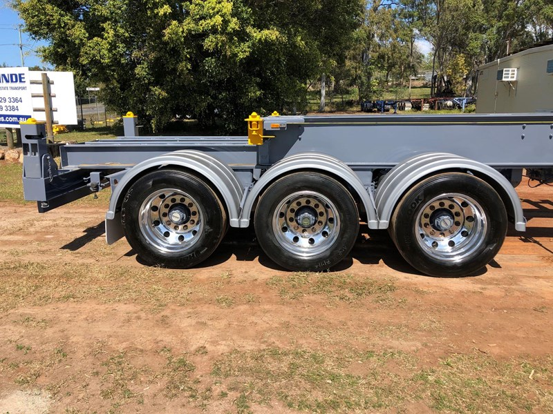 vawdrey retractable skel semi trailer with 3 way pins 704620 009