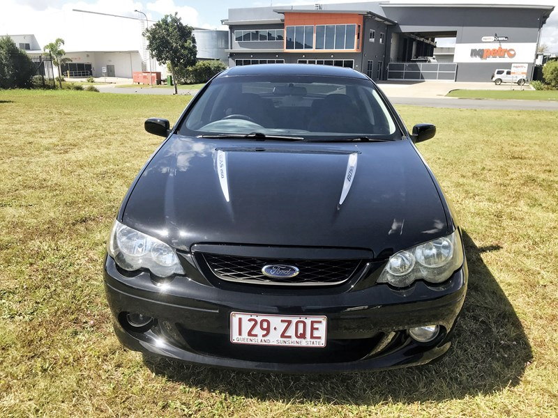 ford falcon xr8 812135 012