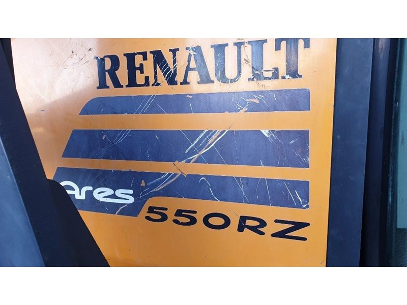renault ares 550 813673 006