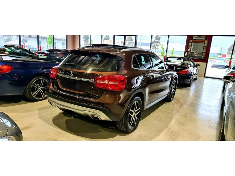 mercedes-benz gla 180 813663 011