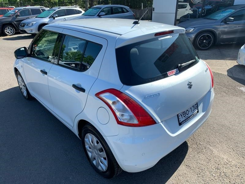 suzuki swift 813744 006