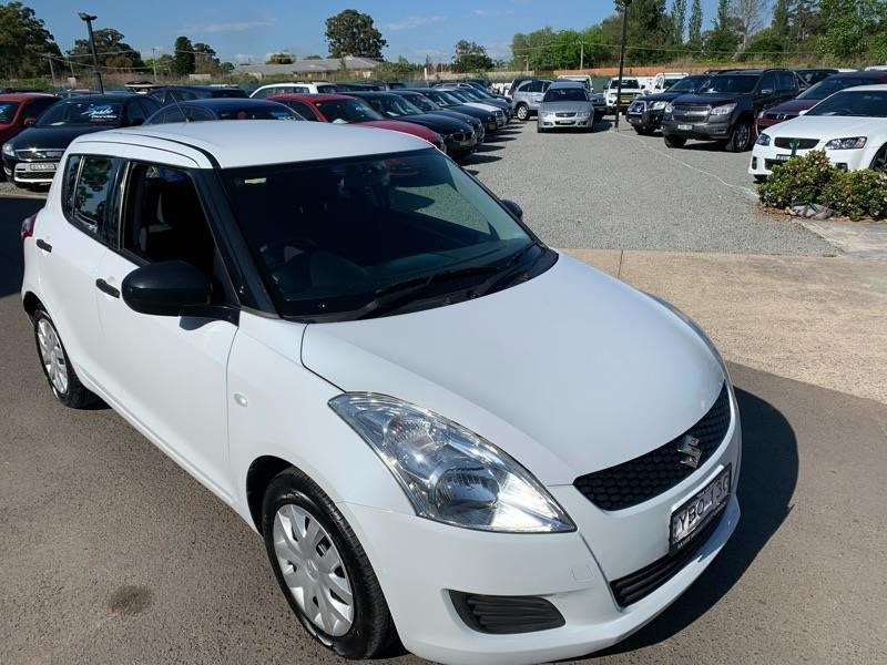 suzuki swift 813744 011