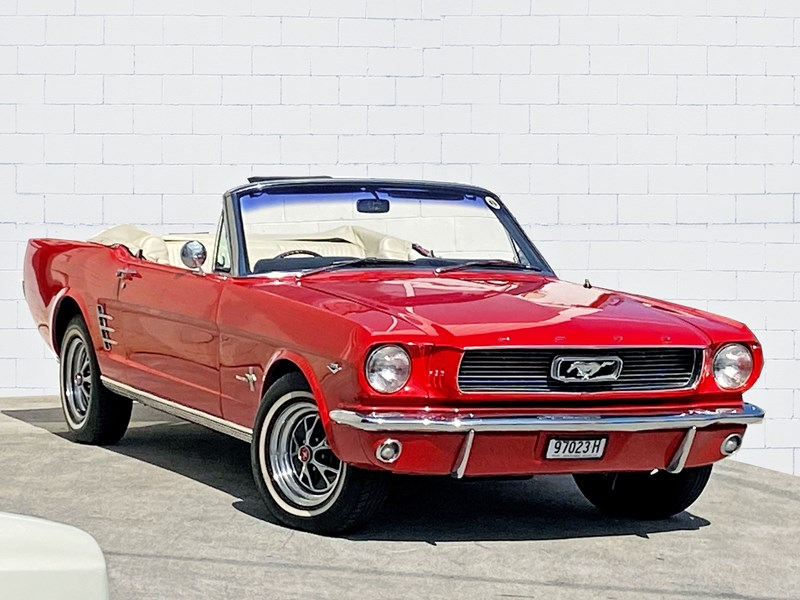 ford mustang 813414 001