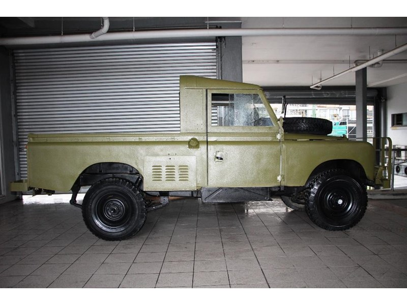 land rover series 3 815794 004