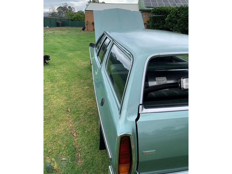 holden kingswood 815871 011
