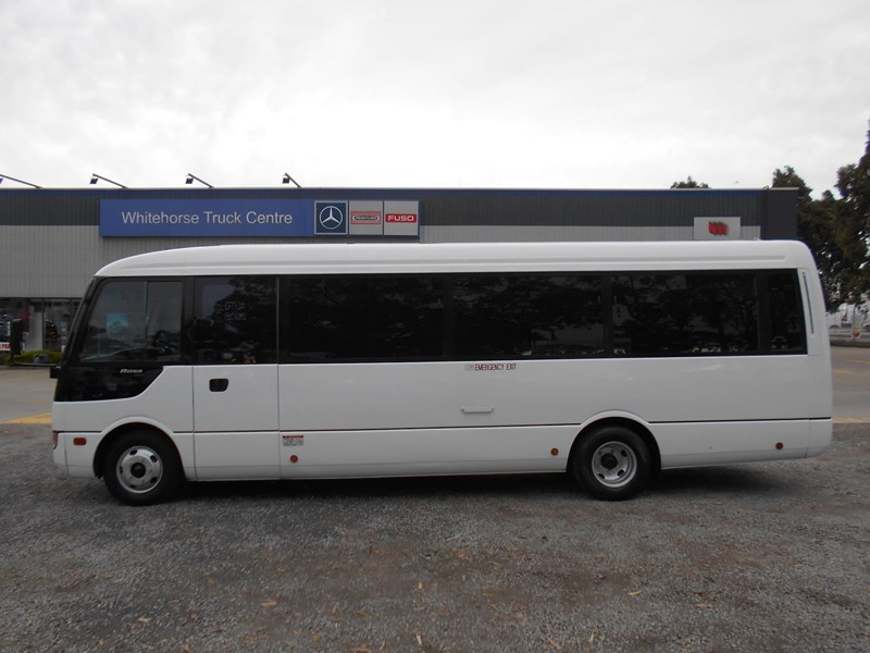 fuso rosa deluxe 25 seater 790104 017