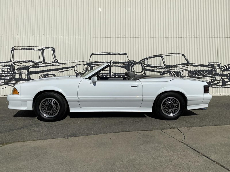 ford mustang 818093 003
