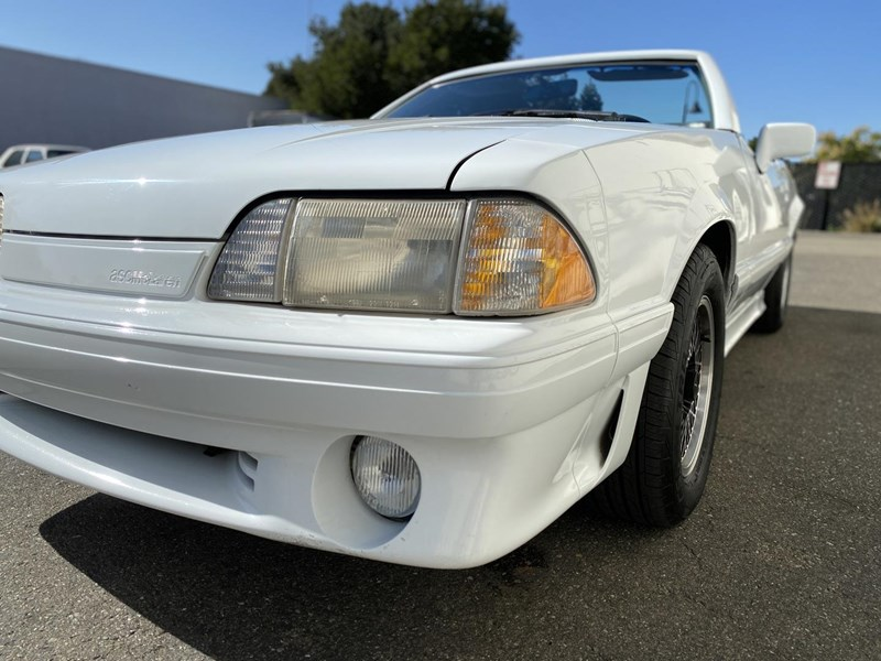 ford mustang 818093 020