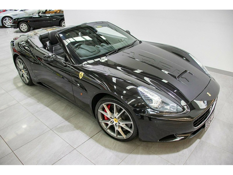 ferrari california 818869 002