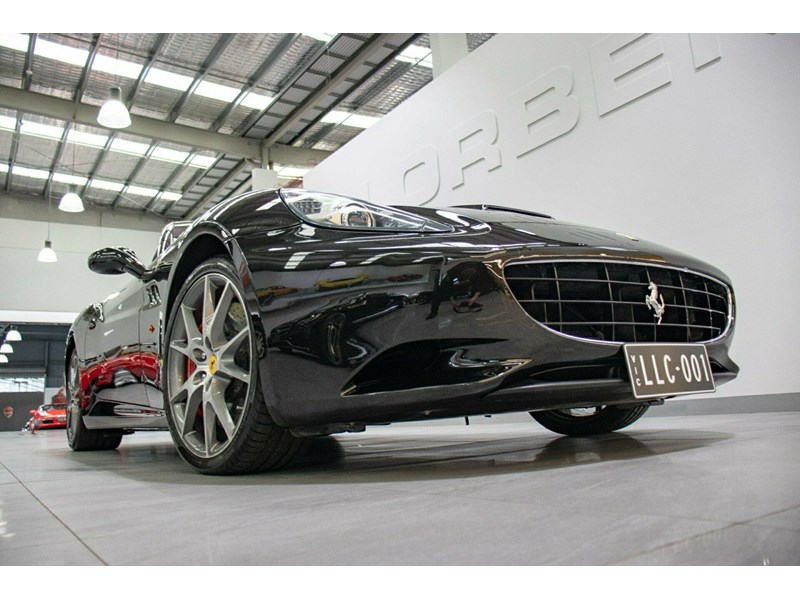 ferrari california 818869 003