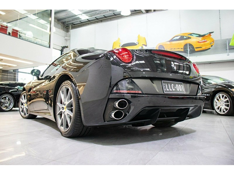 ferrari california 818869 021