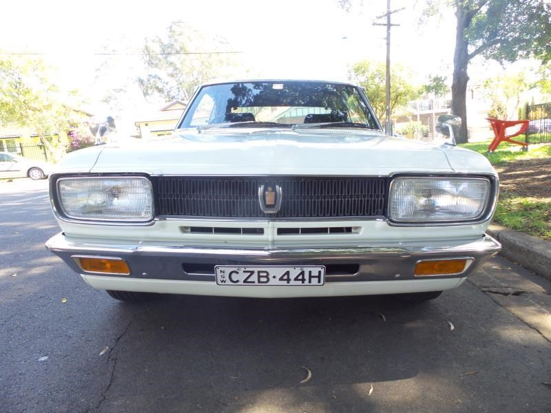 toyota crown 472506 010