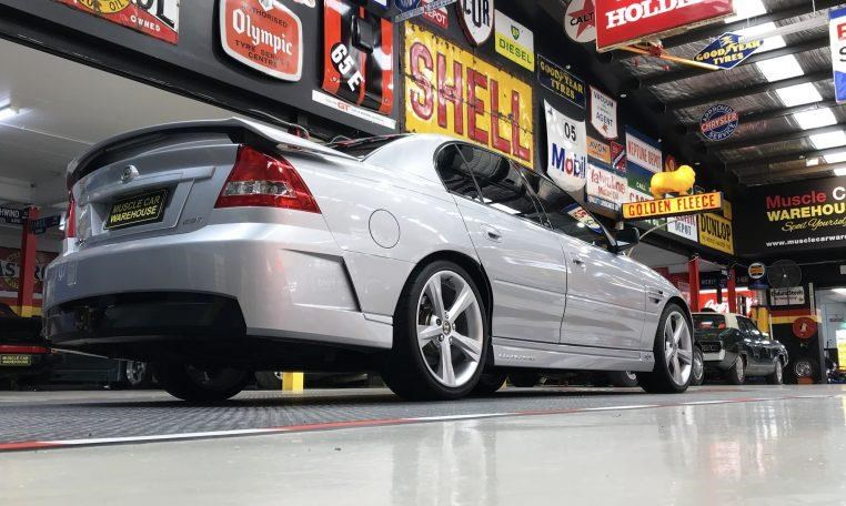 holden hsv 820474 010