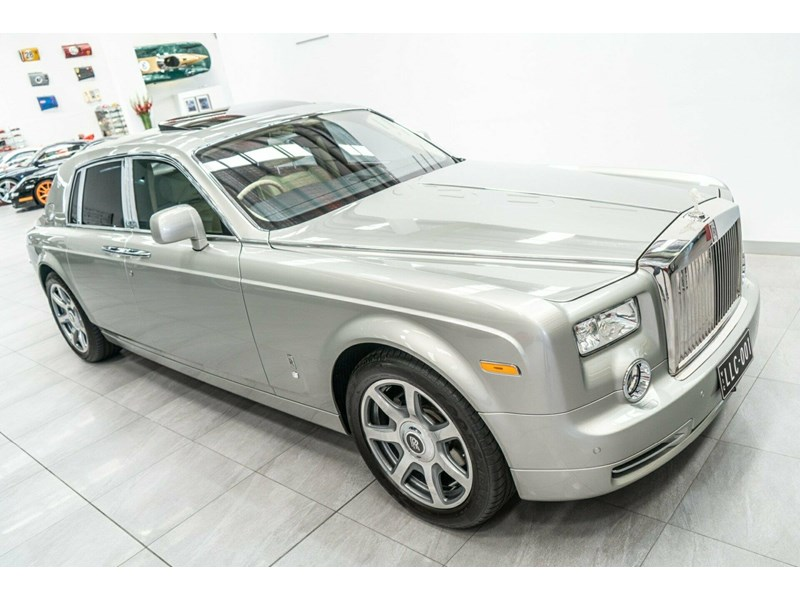 rolls-royce phantom 821305 002