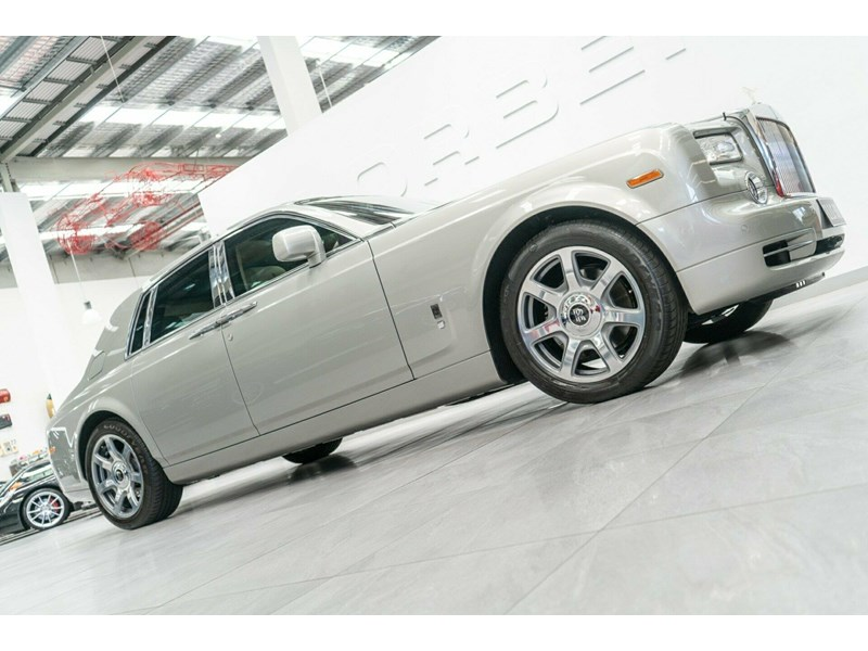 rolls-royce phantom 821305 005