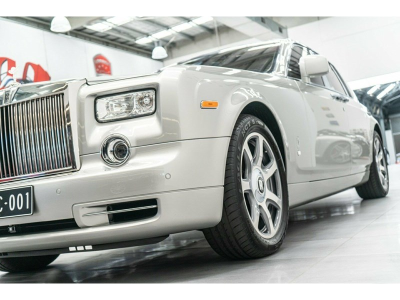 rolls-royce phantom 821305 006
