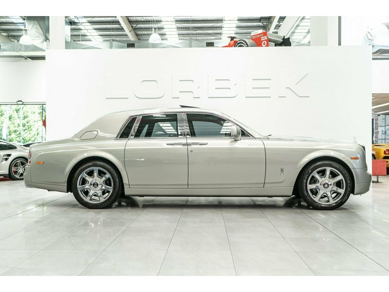 rolls-royce phantom 821305 008