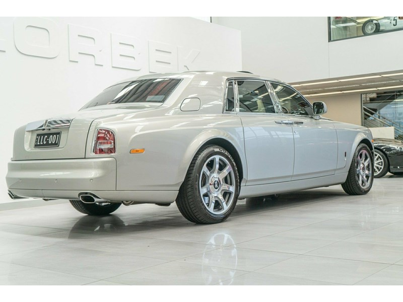 rolls-royce phantom 821305 009