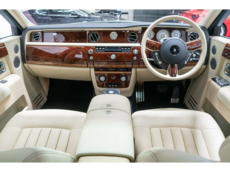 rolls-royce phantom 821305 026