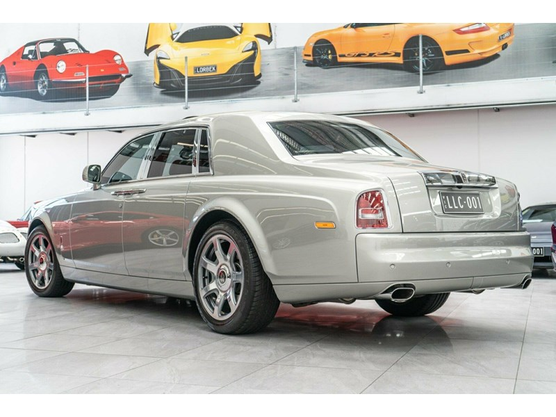 rolls-royce phantom 821305 030