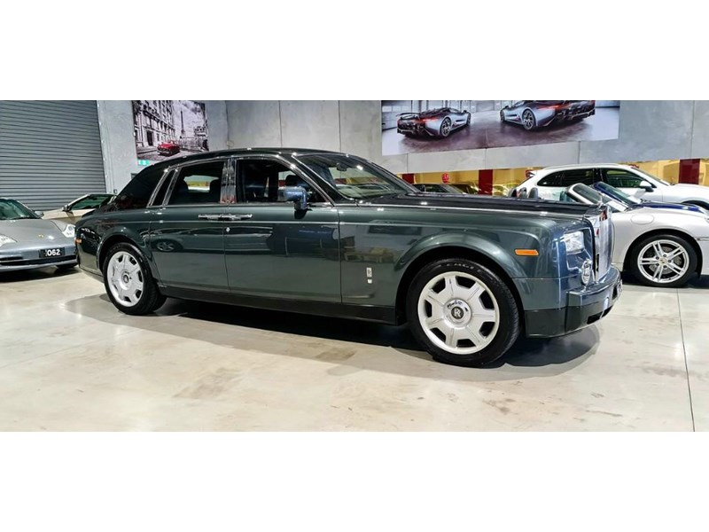 rolls-royce phantom 824359 004