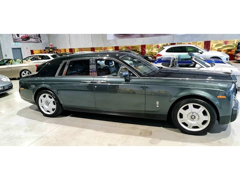 rolls-royce phantom 824359 006