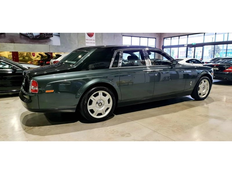 rolls-royce phantom 824359 007