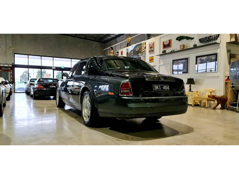 rolls-royce phantom 824359 012