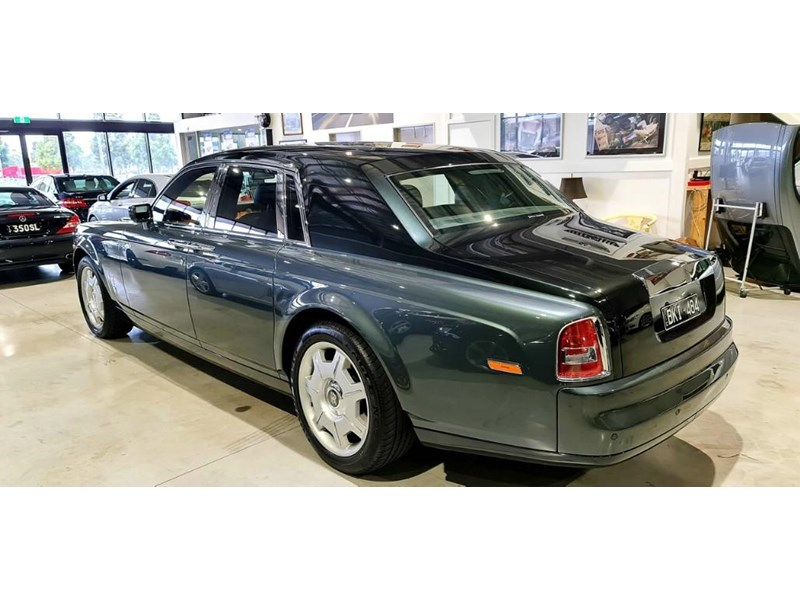 rolls-royce phantom 824359 014