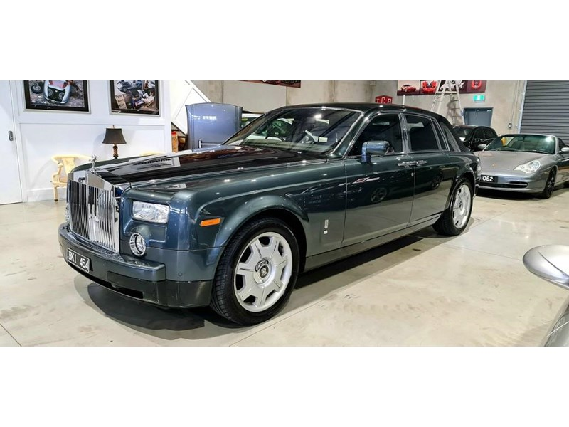 rolls-royce phantom 824359 017