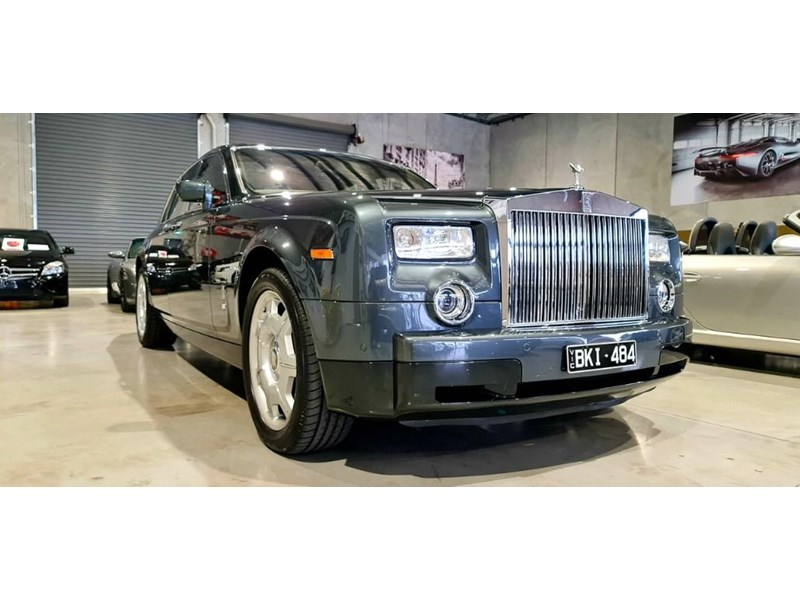 rolls-royce phantom 824359 035