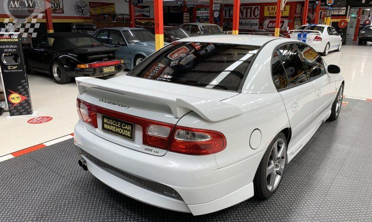 holden hsv 824585 014