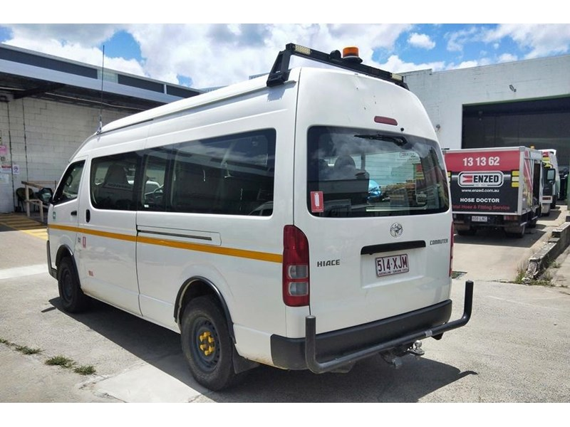 toyota 4x4 conversion of hiace commuter 825873 004