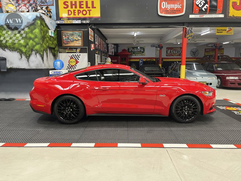 ford mustang gt 832619 005