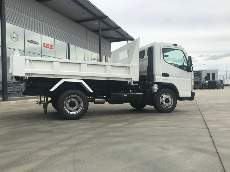 fuso canter 820401 013