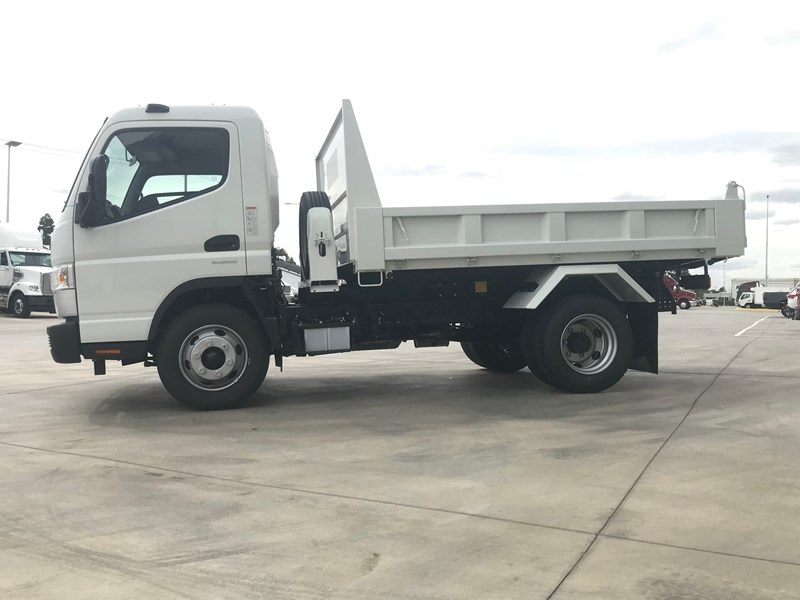 fuso canter 820401 005