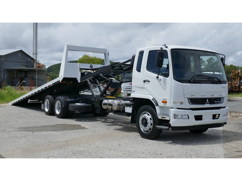 fuso fighter 2427 832009 008