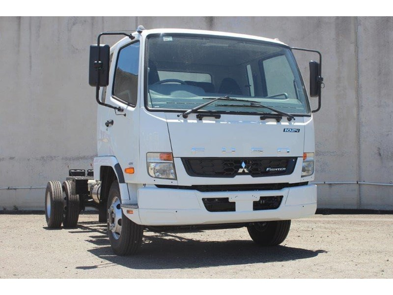 fuso fighter 828155 013
